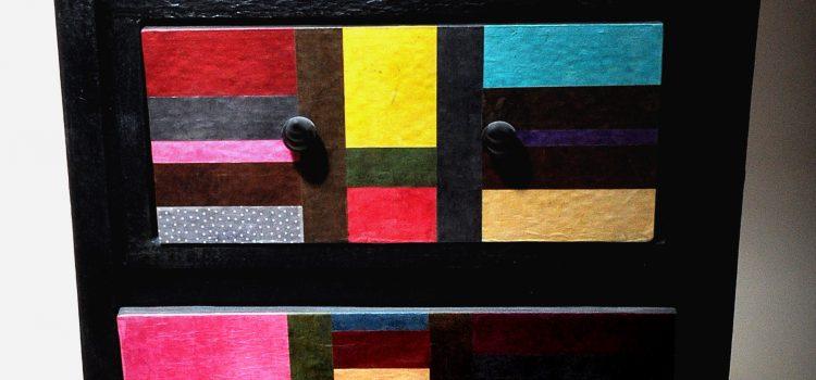 Meuble en couleurs